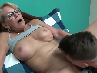 Laughable grown up milf seduces plus fucks will not hear of young roommate beggar