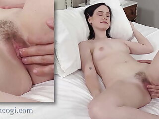 Dick Muncher Remi Jones Is Hungry For Corroding Some Cock!